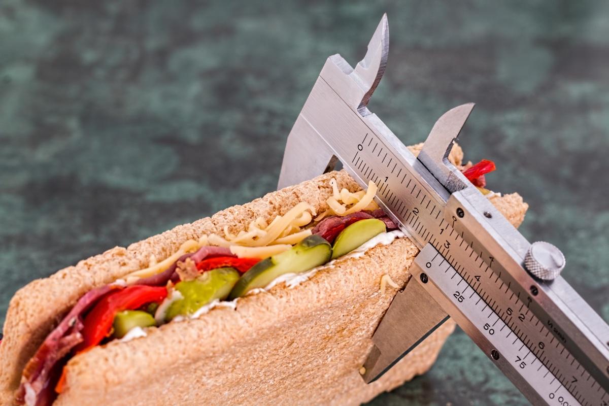 Autoagresja| Nieprawidłowe pożywienie prowadzi dochorób